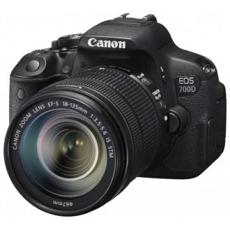 Фотоаппарат зеркальный Canon EOS 700D Kit 18-135 IS STM Black