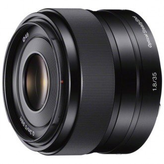 Объектив премиум Sony 35mm f/1.8